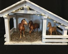 Nativity stable single stall barn farm decor by JacobsWoodDesigns Horse Stables, Horse Barns, Old Barns, Nativity Stable, Diy Nativity, Barn Signs, Toy Barn, Art Deco Bedroom, Exotic Pets