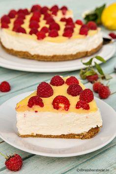 Cheesecake sa bijelom čokoladom i malinama Layered Desserts, Food Cakes, Cheesecakes, Yummy Cakes, Nutella, Cake Recipes, Good Food, Food And Drink, Sweets
