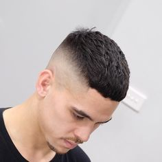 Stylish Summer Haircuts For Men 2017 Summer Hairstyles Mens Summer Hairstyles, Summer Haircuts, Cool Hairstyles For Men, Slick Hairstyles, Cool Haircuts, Haircuts For Men, Creative Haircuts, 1940s Hairstyles, Hairstyles Videos