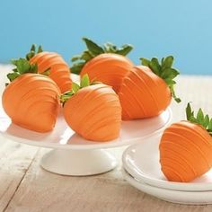 20 Easter Desserts: Easter Carrots - strawberries dipped in melted vanilla almond bark and orange food coloring