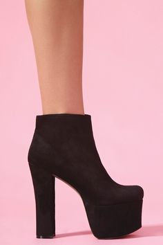 London Platform Boot  I would wear the hell out of these babes!<3