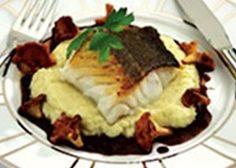 Kabeljauw op het vel gebakken met knolselder, dooierzwammen en sjalotsaus