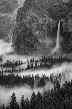 Yosemite Fog in black and white and rare perspective for Yosemite. #stunningandpanaroamic