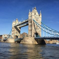 https://flic.kr/p/qysDZe | This is the lovely Tower Bridge in London :) #Upsticksandgo #unitedkingdom #travel #towerbridge #tourist #london #thames #travelgram #travelphotos #travellingtheworld #michfrost