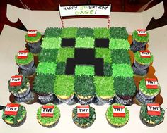 Just delivered this bad boy to a sweet 5 year old. Minecraft Birthday Decorations, Diy Minecraft Birthday Party, Minecraft Cupcakes, Happy 5th Birthday, 6th Birthday Parties, Birthday Fun, Pull Apart Cupcake Cake, Cake Templates, Cupcakes For Boys