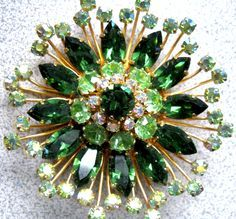 """HUGE 2 1/2 Vintage 3D multi layered, chatons and marquise sparkling crystal rhinestone brooch in beautiful hues of green, absolutely stunning! Gold...  <a class=""""pintag searchlink"""" data-query=""""%23aurora"""" data-type=""""hashtag"""" href=""""/search/?q=%23aurora&rs=hashtag"""" rel=""""nofollow"""" title=""""#aurora search Pinterest"""">#aurora</a> borealis <a class=""""pintag searchlink"""" data-query=""""%23clear"""" data-type=""""hashtag"""" href=""""/search/?q=%23clear&rs=hashtag"""" rel=""""nofollow"""" title=""""#clear search…"""