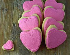 BE MY GLUTEN-FREE VALENTINE! Gluten-free soft frosted valentine sugar cookies