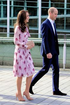 """The Duke and Duchess of Cambridge attend the World Mental Health Day celebration with Heads Together at the London Eye on October 10, 2016 in London, England. """