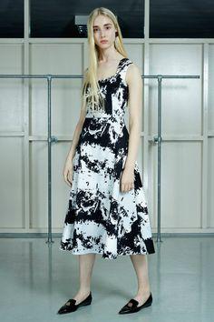 Osman | Pre-Fall 2016 | 35 Monochrome printed sleeveless midi dress