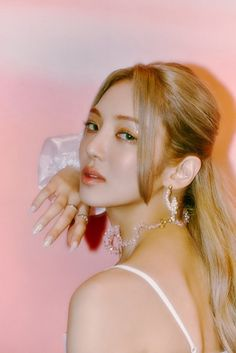Hyoyeon dazzles in latest set of 'Second' teaser images | allkpop Kim Hyoyeon, Sooyoung, Yoona, Snsd, 1 Girl, Kpop, Girls Generation, Teaser, Twitter