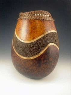 Gourd with inlaid cactus fiber