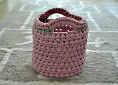 Háčkovaný košík ze špagátů Kos, Baby Shoes, Projects To Try, Basket, Handbags, Crochet, Advent, Crochet Basket Pattern, Patrones