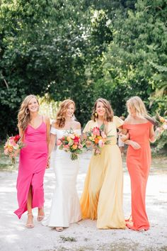 Tropical wedding bridal party with bridesmaids in island sunset colors of coral, yellow and mango. Perfect for a Captiva or Sanibel Florida destination wedding. Amazing bouquets by Signature Florals Photography by Anastasiia Tropical Wedding Dresses, Beach Wedding Colors, Bridal Party Dresses, Sunset Wedding, Wedding Bridesmaid Dresses, Wedding Yellow, Fall Wedding, Tropical Weddings, Wedding Ideas