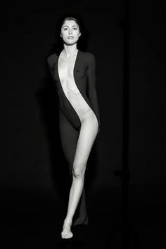 nude girl standing with a black fabric like mask over half of her Dark Photography, Photography Poses, Vogue, Black And White Pictures, Fantasy Girl, Shades Of Black, Photomontage, Belle Photo, Female Bodies