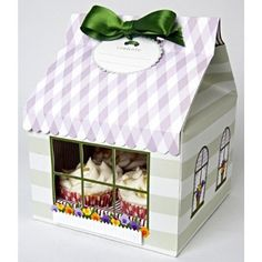 $9.23 Amazon.com: Meri Meri Flower Shop Large Cupcake Box, 3-Pack: Kitchen & Dining