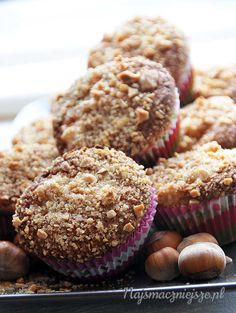 Muffiny z orzechami, babeczki z orzechami, orzechy laskowe, Muffins with nuts, muffins with walnuts, hazelnuts Cupcake Cookies, Cupcakes, Cooking Recipes, Breakfast, Food, Morning Coffee, Cupcake Cakes, Chef Recipes, Essen