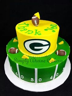Astounding 81 Best Green Bay Packer Cakes Etc Images Packers Cake Green Personalised Birthday Cards Veneteletsinfo