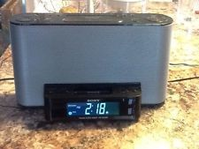 Sony Dream Machine FM/AM Dual Alarm clock Radio ipad Docking Station ICF-CS10IP