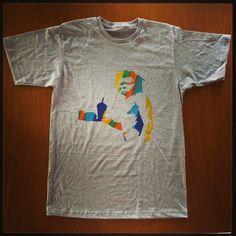 T-shirt Banksy! Camisetas personalizadas, desenvolvidas manualmente: www.folksarts.com.br ou www.facebook.com/folks.arts #folksarts #banksy #boho #cult