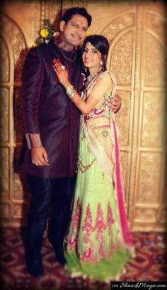 Real coupleKhushboo and Tarun. Read their real wedding story on Shaadimagic.Com. Real Wedding - Indian Wedding - Real Couple- Real Bride- Shaadimagic - Wedding
