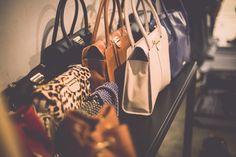Bolsas maravilhosas, todas em couro, com acabamento impecável. A gente capricha pra você! Veja todos os modelos em http://shop.miezko.com.br/bolsas-e-acessorios-s11/