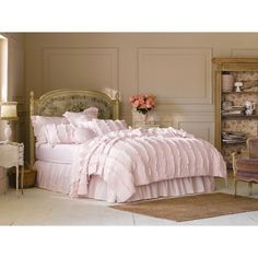 NEW - Simply Shabby Chic® Pink Ruffle Quilt Full/Queen Size Bedding Comforter #SimplyShabbyChic