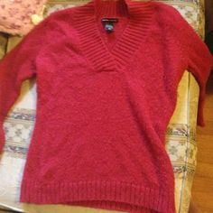 New York & company 84%wool 37% polyester I offer20% off.  3 or more items  New York & Company Sweaters