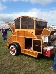 I am in love with Teardrop campers & this, this one is awesome!  wish I could find one like it.  I suspect this was a DIY