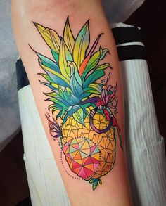a pineapple grenade for Kelly last week! #pineappletattoo #fruittattoo #pineapplegrenade #eternalink #hushanesthetic