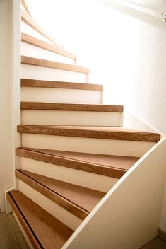Home Stairs Design, Interior Design Living Room, Stair Makeover, Take The Stairs, House Stairs, Maine House, Interior Styling, New Homes, Inspiration