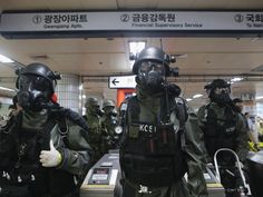 These images show the US-South Korean exercise North Korea threatened with a nuclear strike Nuclear Strike, Military Gear, North Korea, Warfare, Troops, Drill, Army, The Unit, Korean