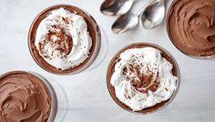 En krämig chokladmousse är aldrig fel. Speciellt inte en vegansk sådan! Såhär gör du en himmelskt god chokladmousse med bara tre ingredienser.