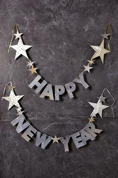 So eine brauchen wir auch als Silvester Deko: Happy New Year Girlande