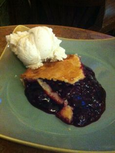 Olallieberry Pie at Linn's Restaurant, Cambria, CA #ChampionsofHome #CleverGirls