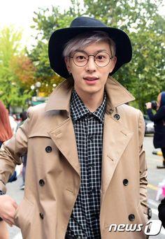 Donghyun Korean Men, Asian Men, Jonghyun, Shinee, Boyfriend Kpop, Kim Dong, Fans Cafe, Japanese Men, Starship Entertainment
