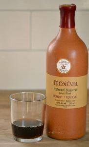 Hydromel Médiéval d'Intermiel. Un hydromel qui goûte le miel. Superbe apéro. Par lavietoutsimplement.com