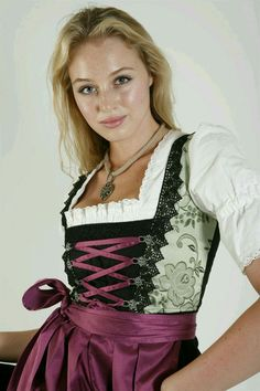 Oktoberfest Outfit, Oktoberfest Beer, German Women, German Girls, Dirndl Dress, Classy Women, Elegant, Traditional Dresses, Pretty Face