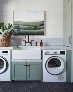 Beechwood Home– Modern Farmhouse Laundry Design Inspiration Mudroom Laundry Room, Laundry Room Organization, Laundry In Bathroom, Mudroom Cabinets, Küchen Design, Home Design, Interior Design, Floor Design, Design Ideas