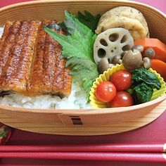 Today's Bento 【Unajuu(boiled eel with sweet soysauce )】Most Japanese love this cuisine, I guess. Of course I love, too!!! :D#bento #lunch #lunchbox #eel #japnesefood #soysauce #healthy #kitchenalia #kitchenaliajp
