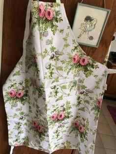빈티지 꽃무늬 앞치마 : 네이버 블로그 Vintage Sewing, Apron, Fashion, Vintage Couture, Moda, Fashion Styles, Fasion, Aprons, Vintage Sewing Notions