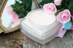 Blüten Körperbutter mit Honig After Sun, Lotion, Panna Cotta, Ethnic Recipes, Food, Do Crafts, Face Beauty, Natural Health, Elder Flower