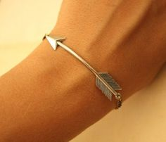 Silver Arrow BRACELET by iadornu on Etsy . would be great for football season! Jewelry Box, Jewelry Accessories, Fashion Accessories, Jewlery, Arrow Jewelry, Gold Jewelry, Jewelry Displays, Simple Jewelry, Jewelry Rings