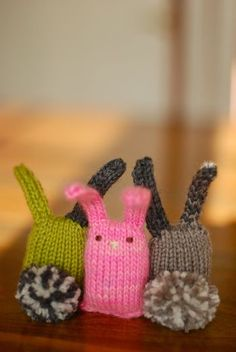 simple, cute, and easy - knitted bunnies