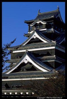Kumamoto Castle @ www.phototravels.net Frantisek Staud