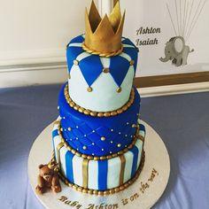 Resultado de imagen para royal blue gold and white baby shower