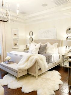 Awesome Cozy Bedroom Design Ideas You Must Try 38 - Crunchhome Bedroom Ideas For Small Rooms Women, Bedroom Makeover, Home Bedroom, Comfy Bedroom, Bedroom Interior, Small Room Bedroom, Apartment Decor, French Bedroom, Small Rooms