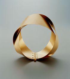 Gigi Mariani Ring Jewelry Art, Jewelry Bracelets, Jewelry Design, Simple Bracelets, Gold Jewelry, Bangles, Minimalist Artwork, Branch Necklace, Stylish Jewelry