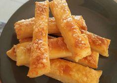 """Vizes"" sajtos rúd recept foto Hungarian Recipes, Onion Rings, Rum, Food And Drink, Pizza, Vegan, Cake, Ethnic Recipes, Foods"