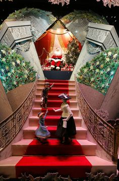 Missing NYC. See the Best Holiday Window Displays - The Cut
