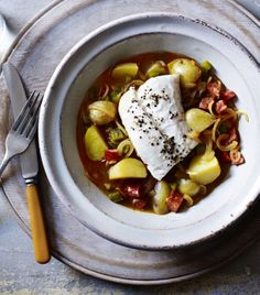 Hake With Chorizo And Potatoes Merluza A La Gallega Recipe - Paprika And Chorizo Flavour This Simple One Pot Fish Dish From Galicia In Spain You Could Try It With Cod Or Haddock Instead Of Hake If You Prefer Hake With Chorizo And Potatoes Merluza A Hake Recipes, Fish Recipes, Seafood Recipes, Salad Recipes, Cooking Recipes, Recipies, Yummy Recipes, Spanish Dishes, Spanish Recipes
